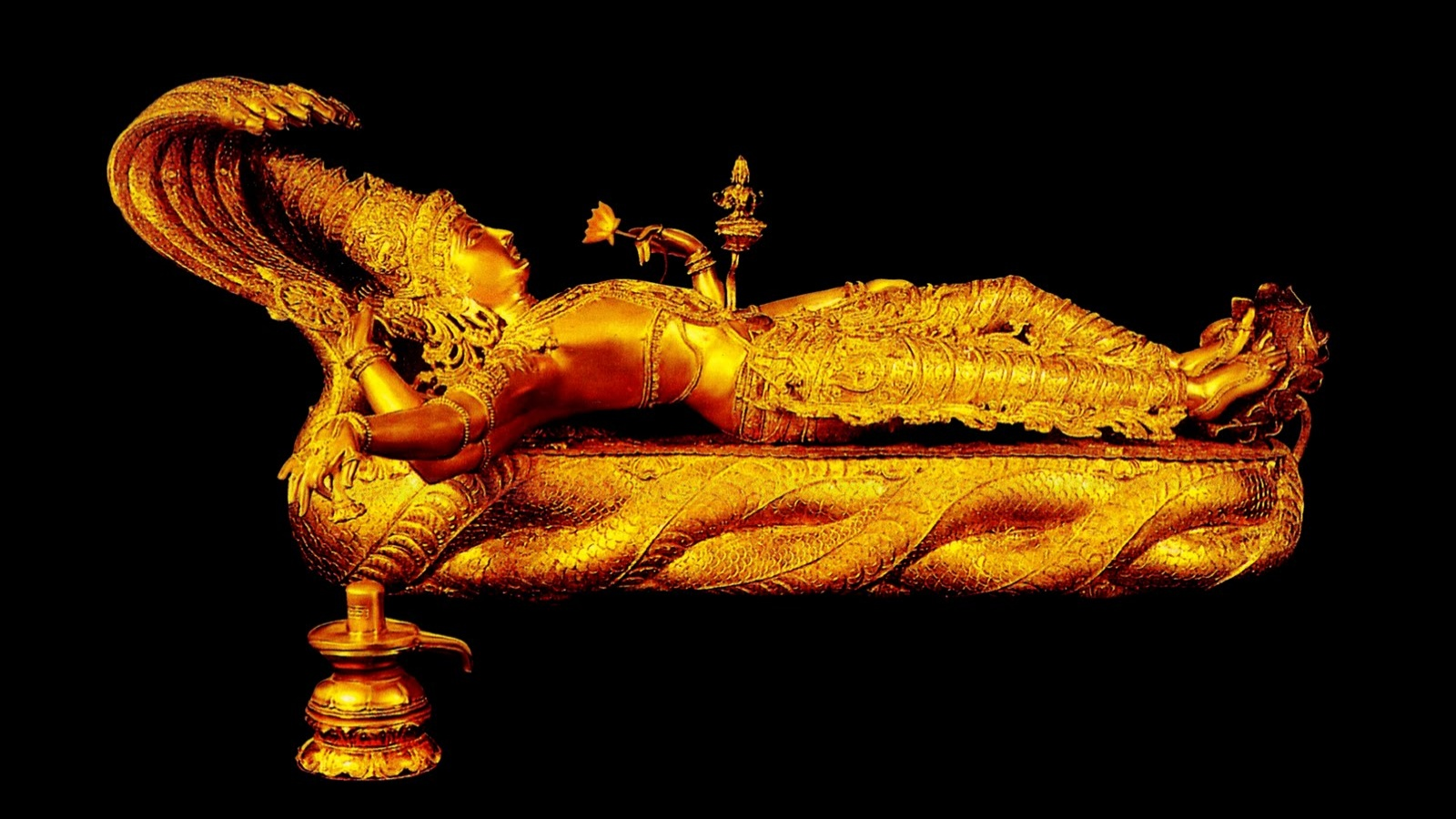 gold_statue_of_lord_vishnu